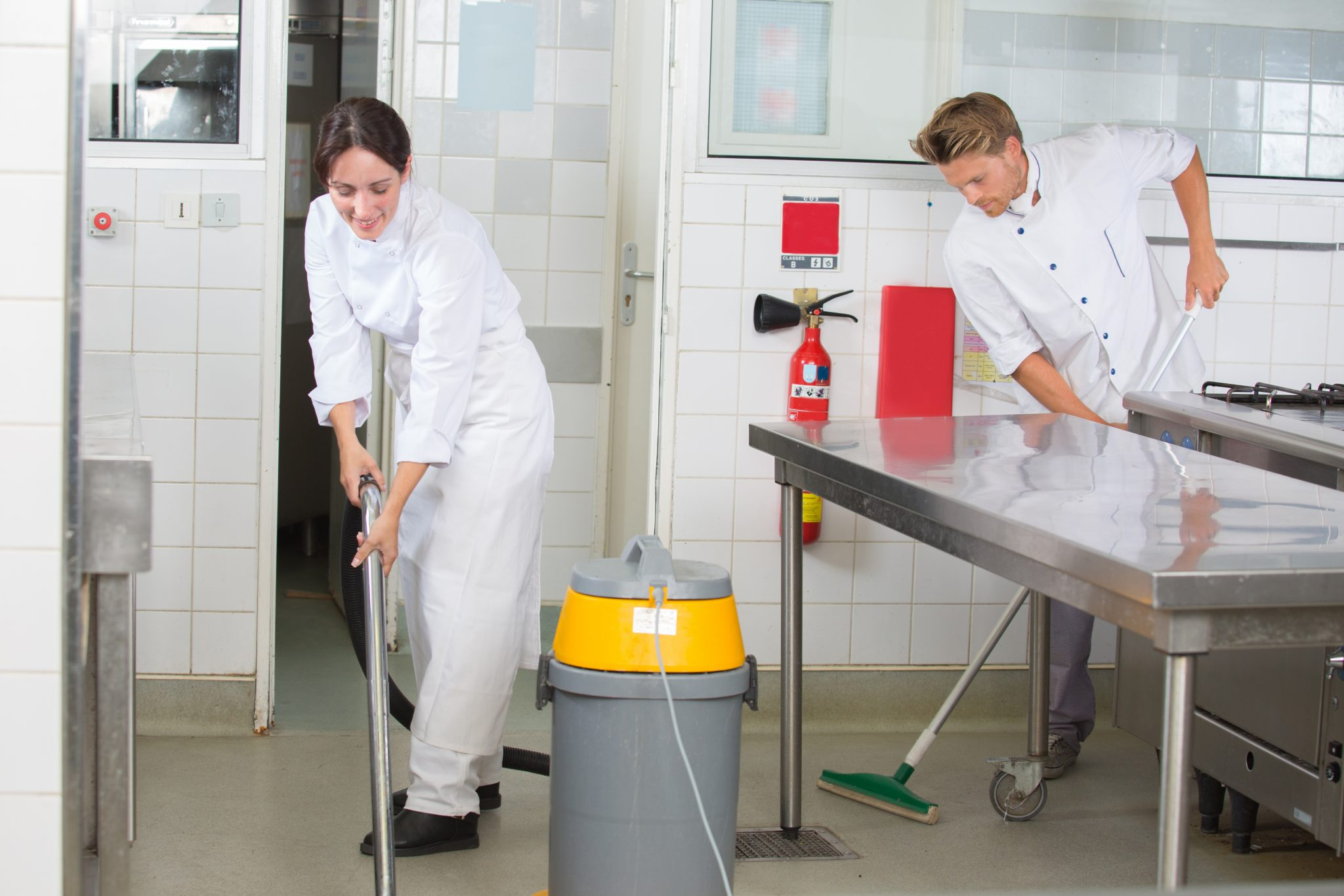 cleaning restaurant