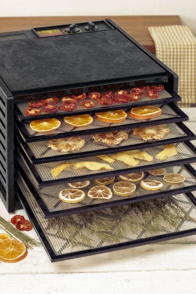 Dehydrating machine