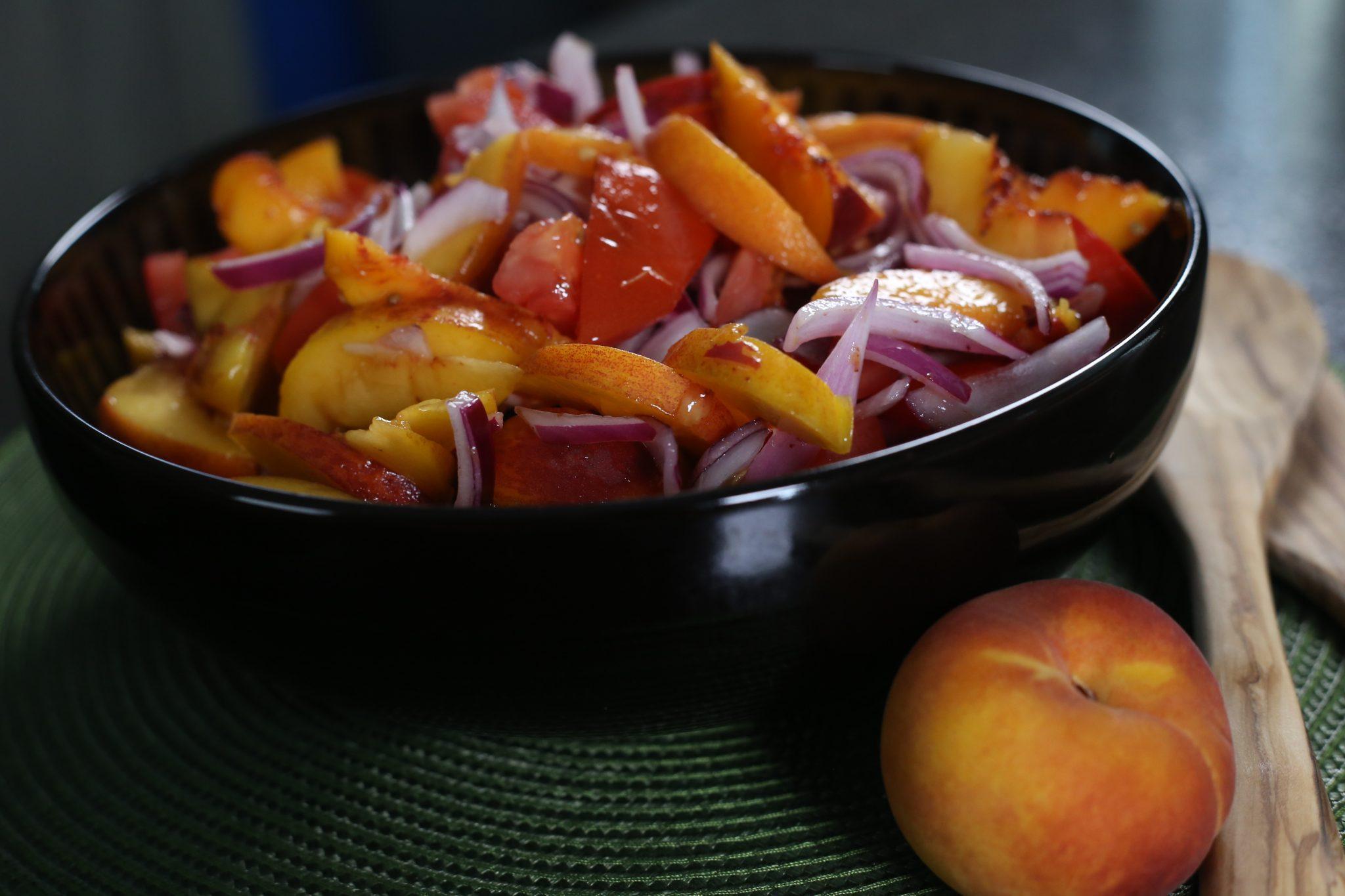 Salad, food in black bowl